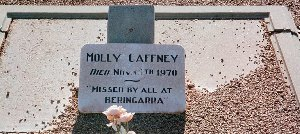 Meeka Caffney Molly-1.jpg (18714 bytes)